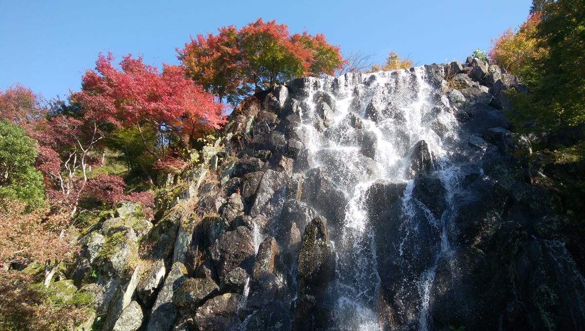 十可苑 2019年11月 紅葉を楽しむ 文殊の滝