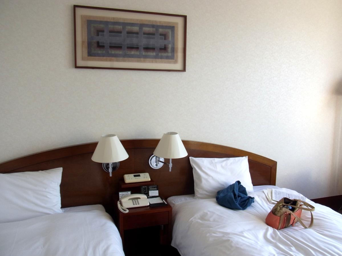 プレミアホテル門司港(旧門司港ホテル) シンプルで寝心地のいいベッド