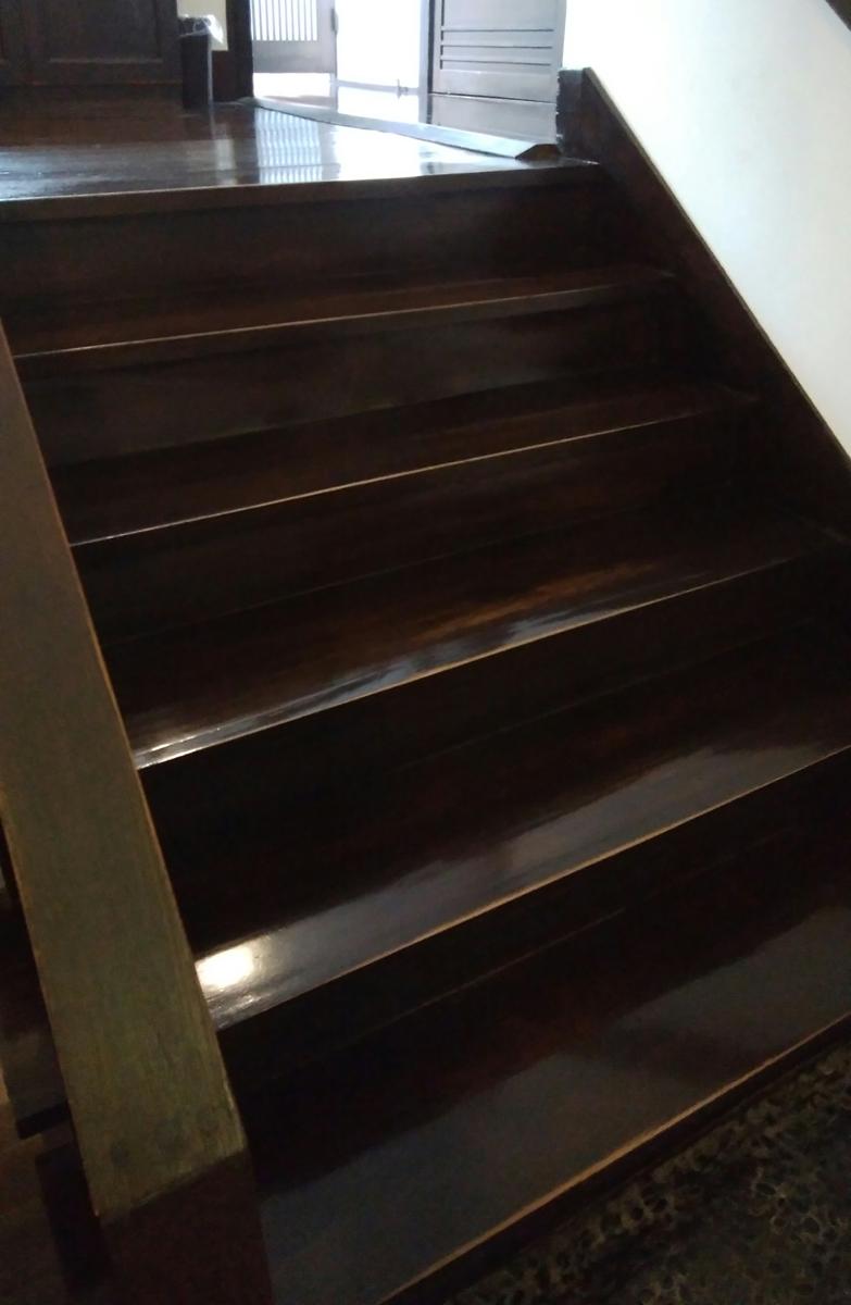 柳屋 大分 o-ita・別府 beppu・鉄輪温泉・湯治の宿 階段