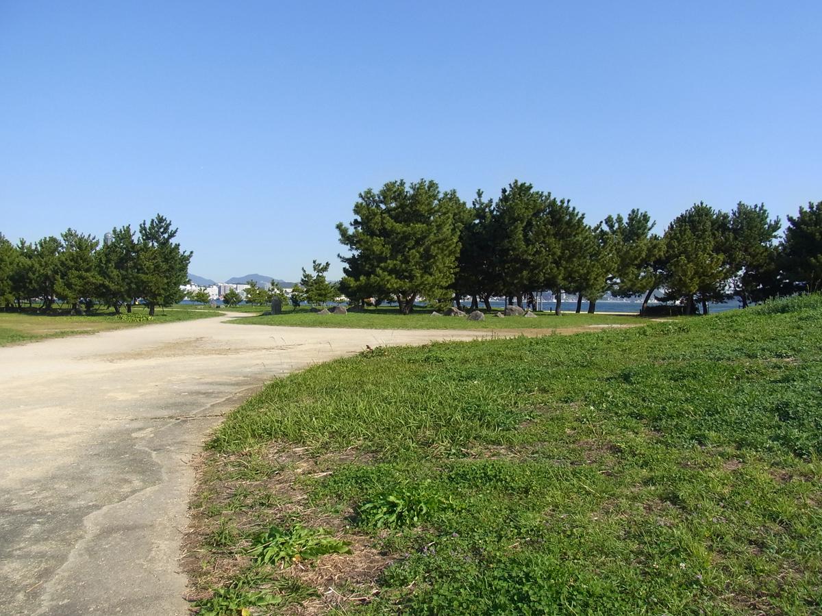 巌流島は遊歩道があり歩きやすい