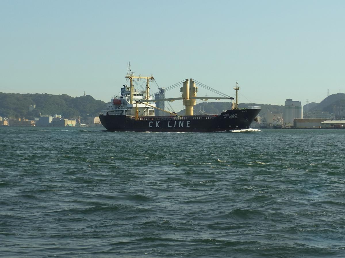 巌流島へ船で行く途中の景色
